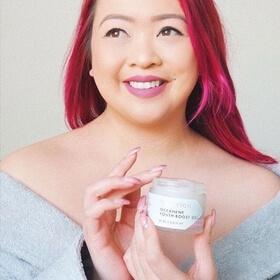 woman holding oceanene youth-boost gel
