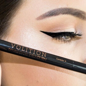 winged eyeliner with Double Edged Eyeliner Pen